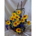 QF1143-Daisies Gerberas Table Arrangement