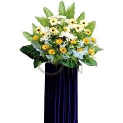 QFFS01-Yellow Gerberas and White Gerberas Wreath